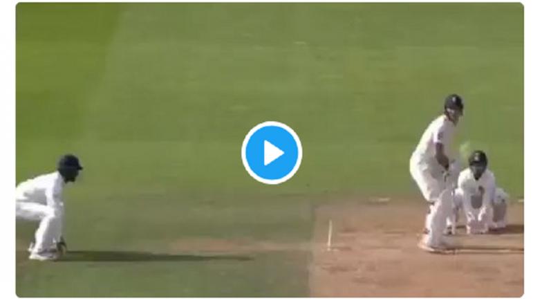 अरे बापरे..! हेल्मेट तोडून चेंडू खेळाडूच्या डोळ्यावर आदळला (व्हिडिओ)