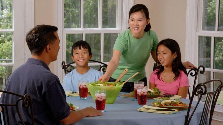 जेवणानंतर लगेचच या '5' गोष्टी करणे टाळा !