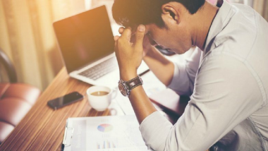 Wifi कनेक्शन आणि फोन चार्जिंगमुळे सध्या कामाबाबत तणाव वाढतोय, जाणून घ्या कारण