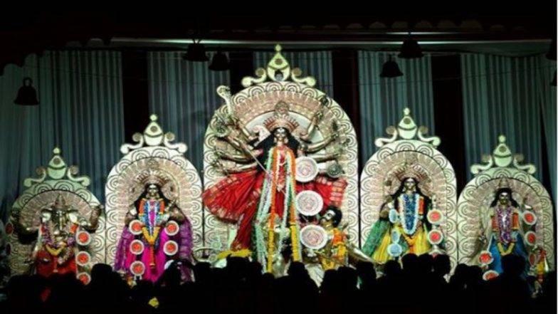 नवरात्रोत्सव 2018 : मुंबईत दुर्गापूजा पाहण्यासाठी या '5' मंडळांना अवश्य भेट द्या !