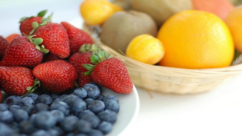 Vitamin C युक्त फळे खा! शरीरातील वजन आणि चरबी कमी करा