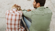 Relationship Tips: तुमचा पार्टनर तुमच्यासोबत Emotional Cheating करतोय? 'या' संकेतांमधून तुम्हाला कळू शकेल