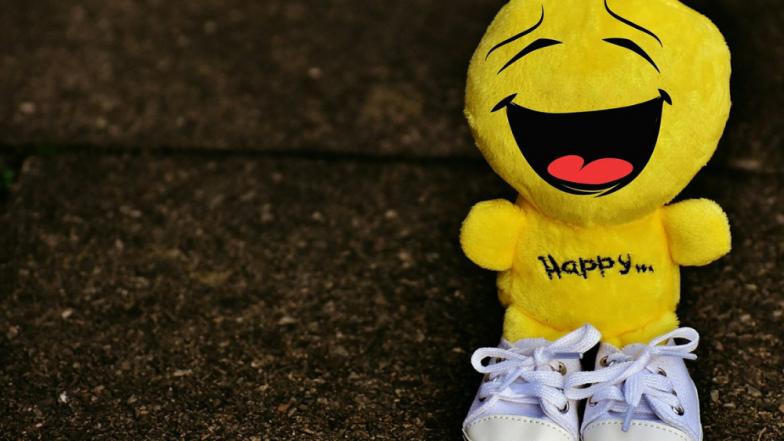 World Smile Day : अरेच्चा ! हसण्याचे आहेत 'इतके' प्रकार ..