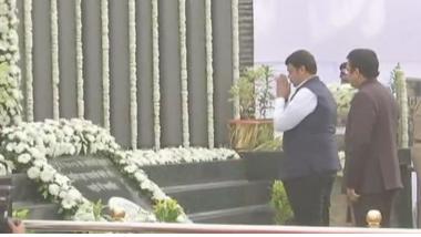 26/11 Mumbai Terror Attack: सी.विद्यासागर राव आणि मुख्यमंत्री देवेंद्र फडणवीस यांच्याकडून शहीदांना  श्रद्धांजली