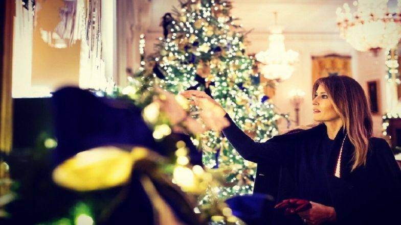 Christmas 2018  : नाताळनिमित्त असा सजला व्हाईट हाउस, फर्स्ट लेडीने शेअर केले फोटो आणि व्हिडीओ