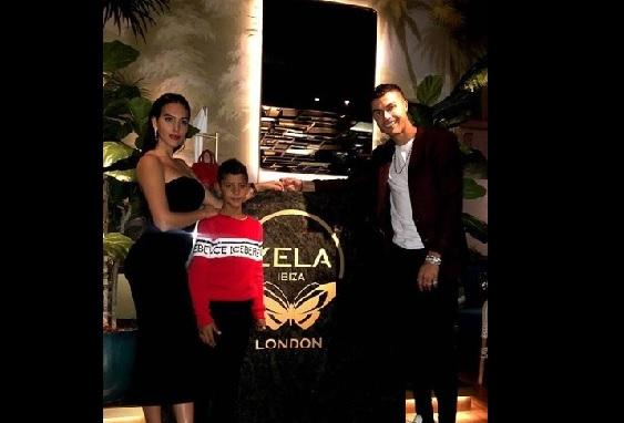 Cristiano Ronaldo ने मुलीच्या वाढदिवसावेळी 15 मिनिटांत संपवली 25 लाख रुपयांची दारु
