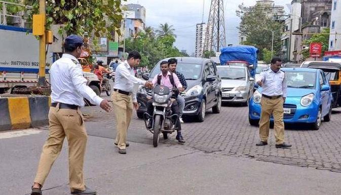दिल्लीत वाहतूक पोलिसांनी 'भगवान राम' यांच्याकडून वसूल केली सर्वात मोठी दंडाची रक्कम, नेमका काय प्रकार घडला जाणून घ्या
