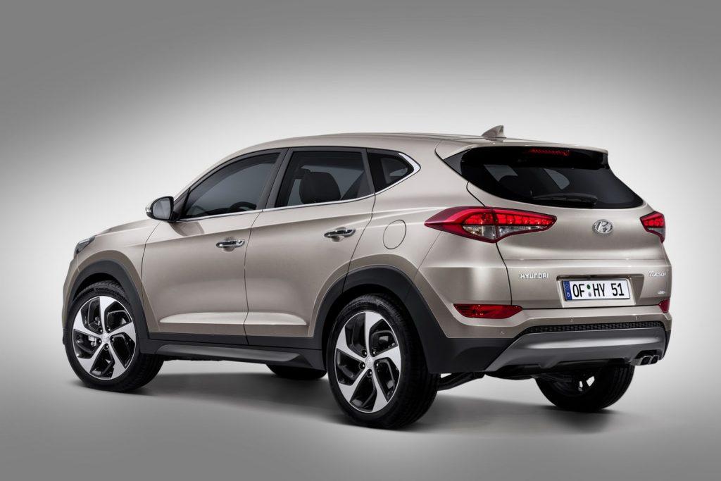 Hyundai कंपनीकडून Aura या मॉडेलवर देण्यात येणार तब्बल 20 हजारापर्यंत सूट, जाणून घ्या ऑफर्स