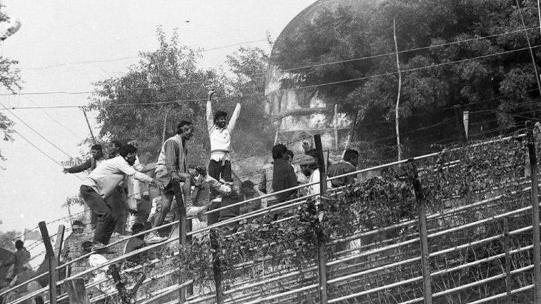 Ayodhya-Babri Masjid: 2300 पोलिसांसमोर 1 लाख कारसेवकांनी पाडली अयोध्येत बाबरी मशीद