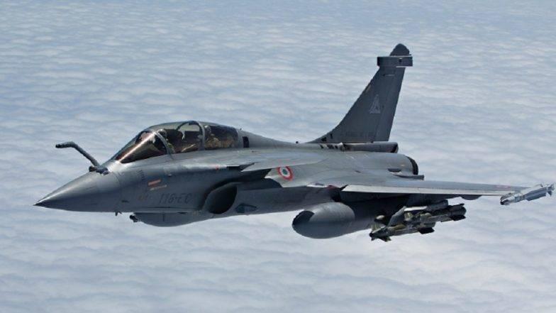 भारताला फ्रान्स कडून मिळाले राफेल विमान, सैन्याची ताकद वाढणार