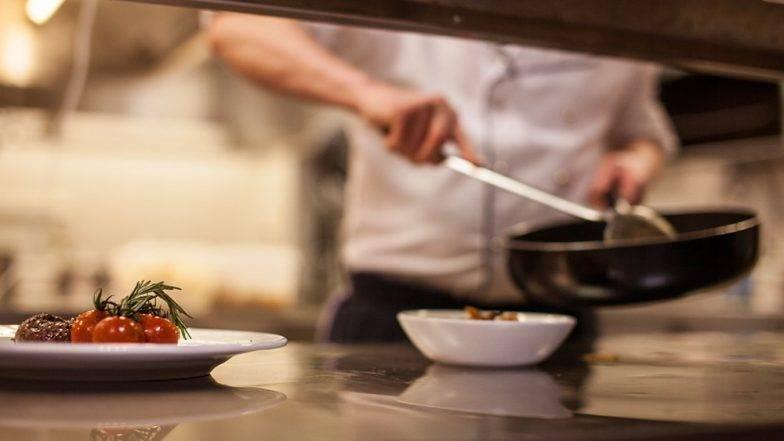 धक्कादायक : मुंबईमधील 74 टक्के रेस्टॉरंट्स अस्वच्छ; FDA ने बजावली नोटीस