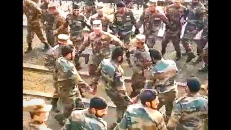 Video : डोकलाम वादानंतर भारत - चीन सैनिकांचा पंजाबी गाण्यावर प्रथमच एकत्र भांगडा