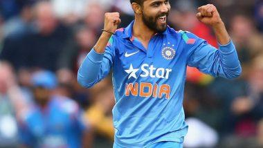 ICC World Cup 2019: रवींद्र जडेजा का नेहमी विराट कोहली च्या बाजूला बसतो, हार्दिक पंड्या ने उघड केले Team India चे Dressing Room Secrets, Watch Video