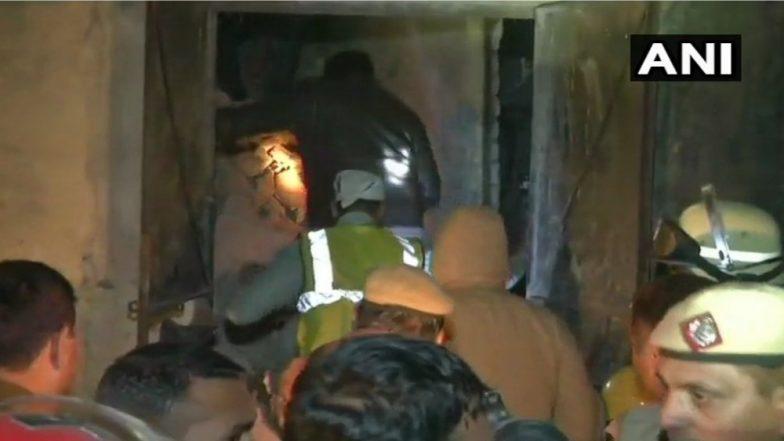 दिल्लीत पंख्याच्या कारखान्यात स्फोट, मृतांचा आकडा 7 वर पोहचला