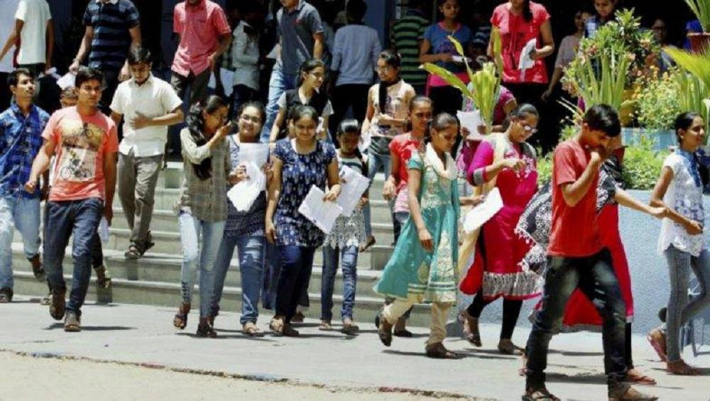 मुंबई: H R, KC, Jay Hind कॉलेज मध्ये प्रवेश प्रक्रियेमध्ये घोटाळा? शिक्षणमंत्री आशिष शेलार यांचं विधीमंडळात चौकशीचं आश्वासन