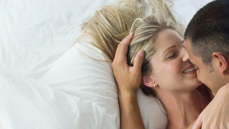 सेक्समध्ये या आहेत महिलांच्या काही आवडत्या पोझिशन्स; ट्राय करण्याआधी खबरदारी नक्की घ्या