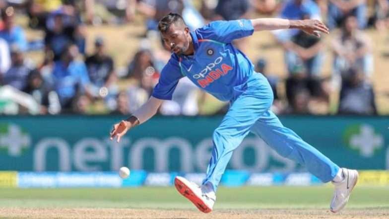India Vs New Zealand 3rd ODI: अन मैदानातच हार्दीक पांड्या  शिखर धवनवर भडकला, व्हिडीओ सोशल मीडीयात प्रचंड व्हायरल (Video)