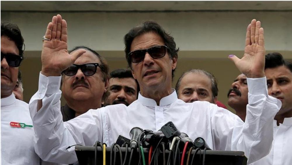 पाकिस्तान त्यांच्या पसंतीच्या ठिकाणी भारताला प्रतिउत्तर देणार- इम्रान खान