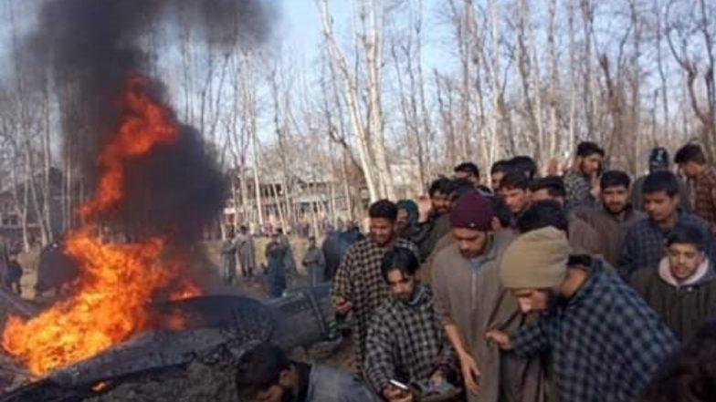 जम्मू-काश्मिर मध्ये बडगाम येथे मिग विमान कोसळले