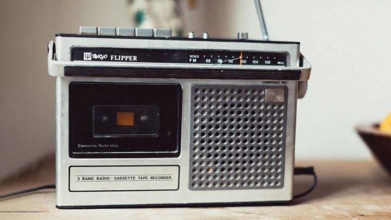 World Radio Day 2019:  यंदा 'वर्ल्ड रेडिओ डे'च आठवं सेलिब्रेशन, पहा 13 फेब्रुवारी हा दिवस कसा ठरवण्यात आला?