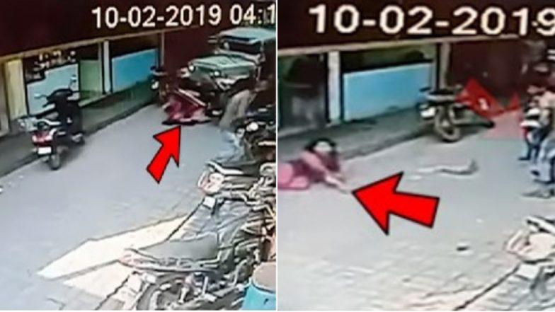 मंगळरु येथे जीप चालकाने रस्त्यावरील महिलेला आणि मुलाला धडक देत गाडी खाली चिरडले, पण सुदैवाने वाचले (Video)