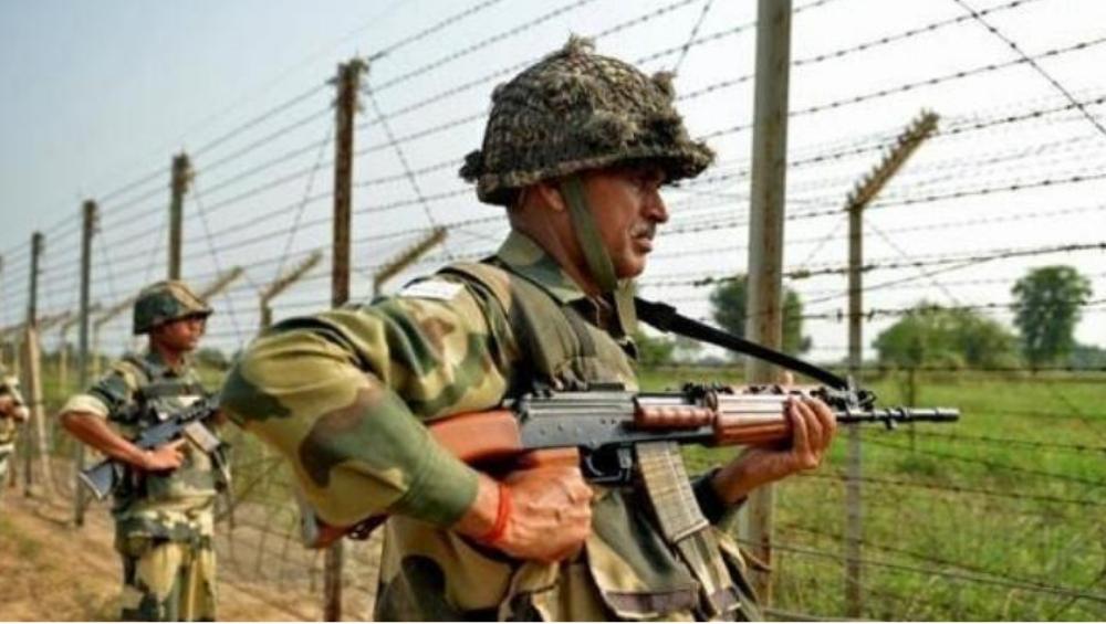 जम्मू-कश्मीर मध्ये दहशतवादी हल्ला करण्याच्या तयारीत, जवानांना हाय अलर्ट जाहीर