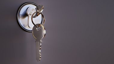 आश्चर्य! 25% पुणेकर घराला कुलूप लावायला विसरतात- रिपोर्ट