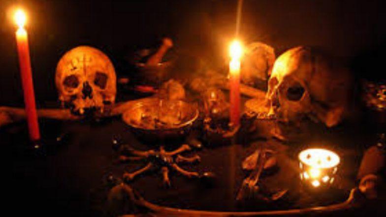 मृत व्यक्तीचा आत्मा घेऊन जाण्यासाठी तांत्रिकाकडून रुग्णालयात पूजा