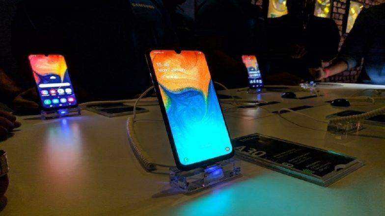 Samsung चे  3 स्मार्टफोन्स A30, A50 आणि A10 लॉन्च, पहा काय आहेत फिचर्स आणि किंमत