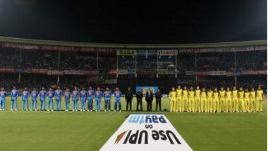 Pulwama Terror Attack चा निषेध म्हणून भारत विरुद्ध ऑस्ट्रेलिया पहिल्या T20I सामन्यापूर्वी खेळाडूंची शहीदांना श्रद्धांजली; काळ्या फिती बांधून Team India मैदानात