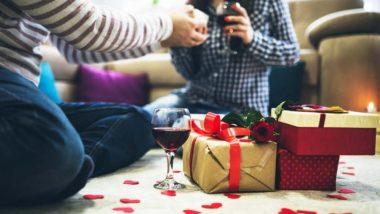 Valentine's Day 2019: 'व्हेलेंटाईन डे'च्या दिवशी 'स्मार्ट' पद्धतीने गिफ्ट खरेदी करा, किंमत फक्त 1000 रुपयांपेक्षा कमी