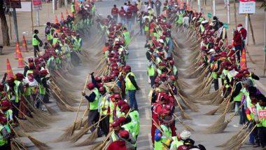 प्रयागराज कुंभमेळ्यात सलग तिसऱ्या दिवशी विश्वविक्रम; तब्बल 10 हजार लोकांनी केली स्वच्छता