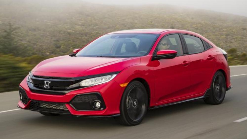 Honda Civic Petrol वर दिला जातोय 1 लाख रुपयांपर्यंत बंपर डिस्काउंट, जाणून घ्या ऑफरबद्दल अधिक