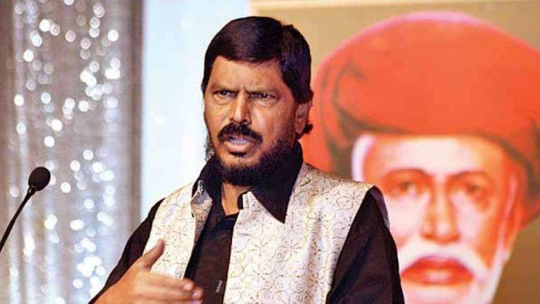 Lok Sabha Election 2019: लोकसभा निवडणुकीसाठी मनोबल कायम ठेवण्यासाठी लोकसभेतील एक जागा द्या, रामदास आठवले यांची मागणी