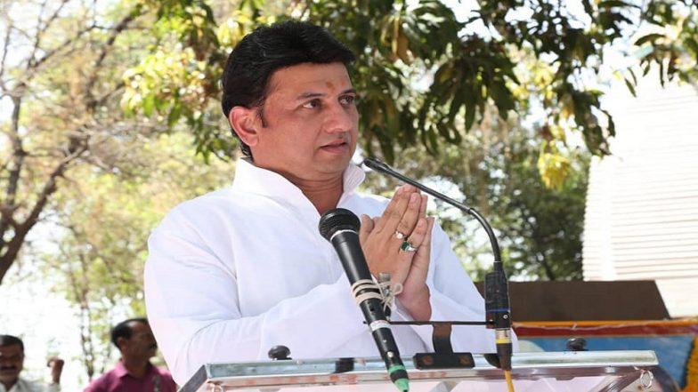 Lok Sabha Election 2019: रणजितसिंह मोहिते पाटील यांचा मुख्यमंत्री देवेंद्र फडणवीस यांच्या उपस्थितीत भाजपात प्रवेश