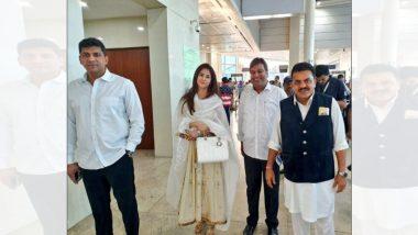 Lok Sabha Elections 2019: काँग्रेस पक्षप्रवेशासाठी 'रंगिला गर्ल' उर्मिला मातोंडकर दिल्लीत दाखल (Photo)