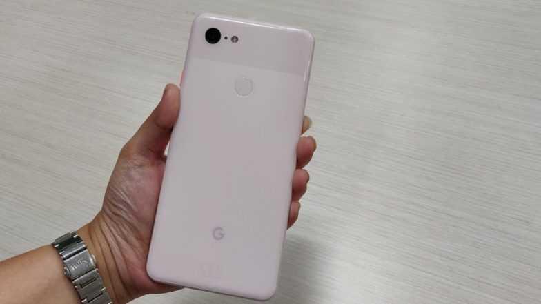 एका खराब फोनच्या रिफंड ऐवजी गुगल ने पाठवले चक्क 7 लाखाचे 10 फोन