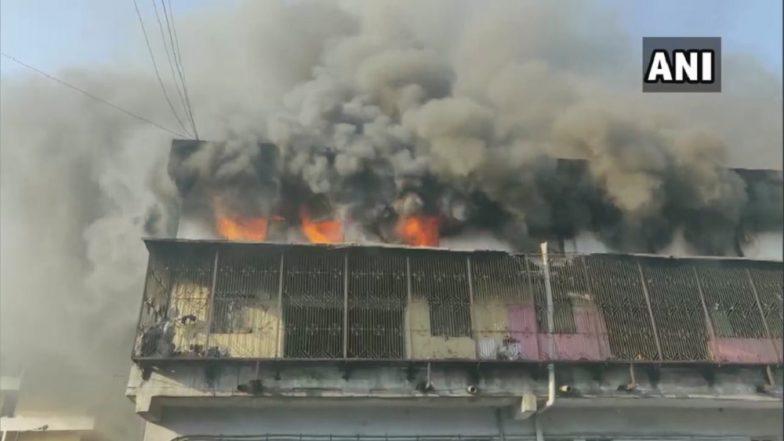 Bhiwandi Fire: भिवंडी येथील काल्हेर परिसरातील इमारतीला भीषण आग; अग्निशामक दलाच्या गाड्या घटनास्थळी रवाना