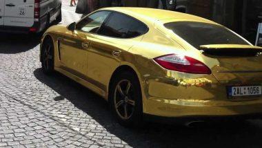 सोनेरी Porsche गाडीवर या देशाने घातली बंदी; वाचा काय आहे कारण