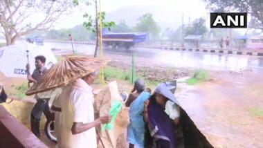 Cyclone Fani Updates: आंध्र प्रदेशमध्ये मुसळधार पाऊस, ओडीसा राज्यातील 8 लाख नागरिकांनी सोडली घरं