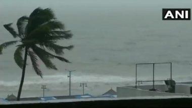 Cyclone Fani Updates: ओडीशा राज्यात 2 बळी घेऊन फनी वादळ पश्चिम बंगालच्या सरकले