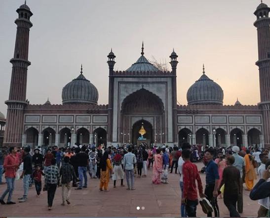 Tik Tok पुन्हा वादात,  जामा मशिदीत डान्स व्हिडीओ बनवल्याने यापुढे केवळ प्रार्थनेसाठीच मिळणार प्रवेश