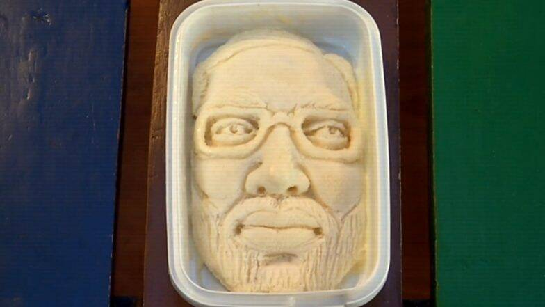गुजरात: नरेंद्र मोदी यांच्या विजयाचे गोड सेलिब्रेशन,आईस्क्रीम विक्रेत्याने साकारली मोदींच्या चेहऱ्याची सीताफळ कुल्फी (Watch Video)