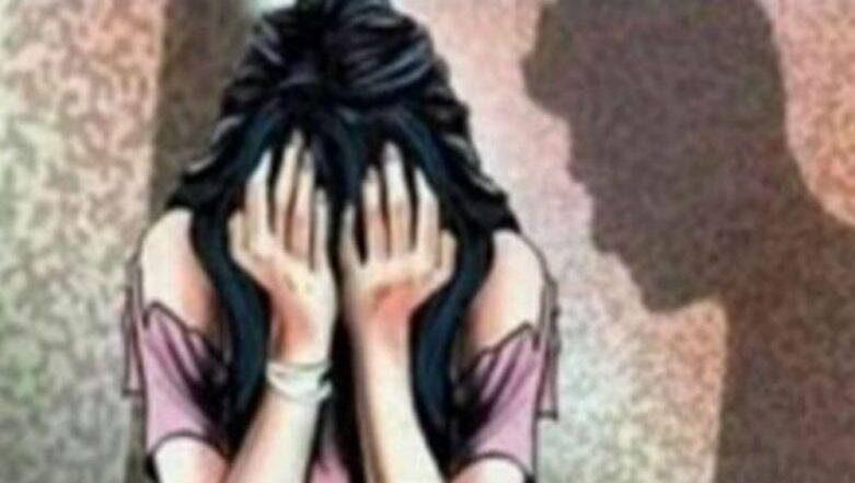 धक्कादायक! तलवारीचा धाक दाखवत आपल्या 5 मुलींवर वडिलांचा गेले 4 वर्षे बलात्कार; दोन लग्न झालेल्या मुलींवरही अत्याचार