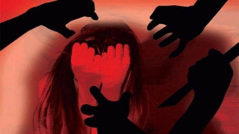 उत्तर प्रदेश: बंदुकीचा धाक दाखवत दोन अल्पवयीन बहिणींवर केला सामूहिक बलात्कार