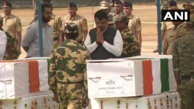 Gadchiroli Naxal Attack: गडचिरोली मधील नक्षलवादी हल्ल्यात मृत्यूमुखी पडलेल्या सी-60 कमांडो जवानांना मुख्यमंत्री देवेंद्र फडणवीस यांनी वाहिली श्रद्धांजली