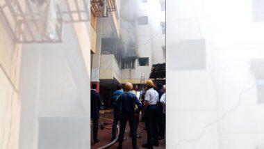 पुणे: शनिवार पेठेत जोशी संकुल बिल्डिंग मध्ये भीषण आग, 25 नागरिकांची सुखरूप सुटका