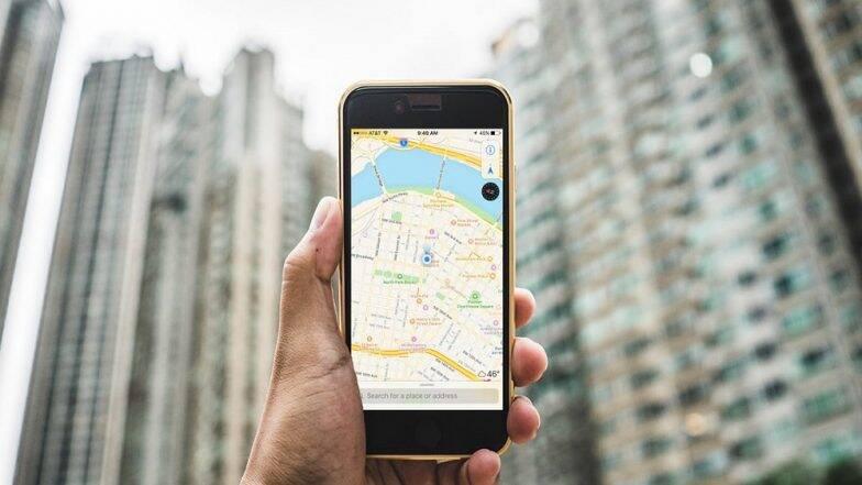 Google Maps चे नवे फिचर; प्रवासादरम्यान गाडी चुकीच्या रस्त्याने गेल्यास मिळेल Off Route Alter