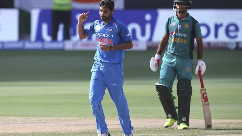 IND vs PAK, ICC World Cup 2019: Team India ला आणखी एक दणका, भुवनेश्वर कुमारला हि झाली दुखापत, पुढे सामन्यात भाग घेणार नाही