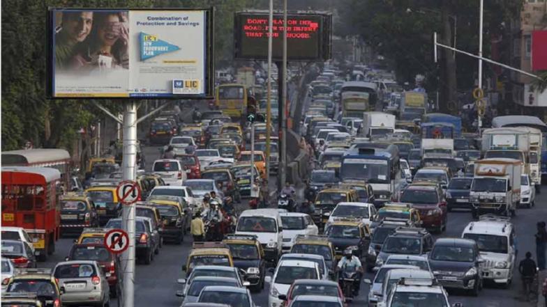 Ganeshotsav 2019: मुंबई गोवा महामार्गावर वाहतूक विस्कळीत; कोकणात जाणाऱ्या गणेशभक्तांना मनस्ताप